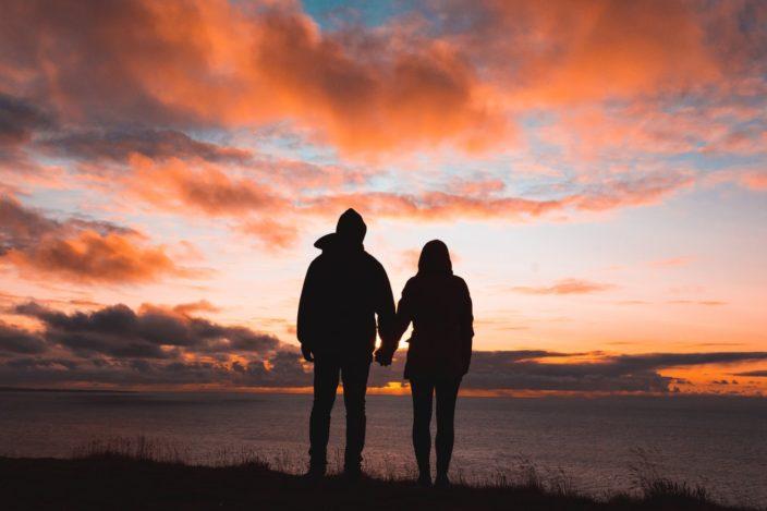 Большая часть романтических отношений начиналась с дружбы